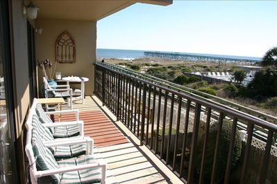 Wonderful location with a Great Beach View from the 2nd floor balcony !!
