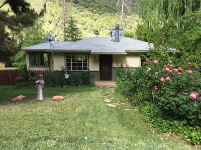 Photo for Oak Creek Canyon Cottage: cozy and scenic, minutes from downtown Sedona