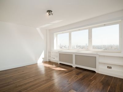 Photo for Stunning Views 10th Floor Luxury 2 Bed Flat in Chelsea, Fulham Road