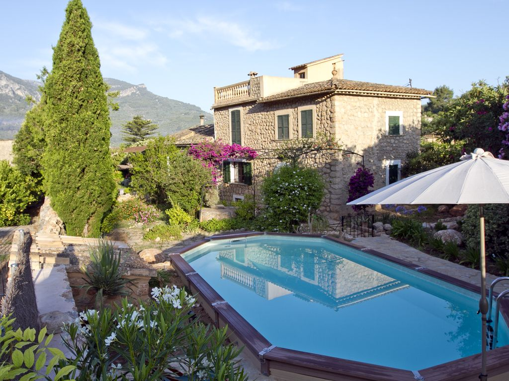 villa can bob house with character between the montains and the
