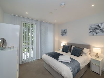 Photo for Beautiful Deluxe Central London Apartment