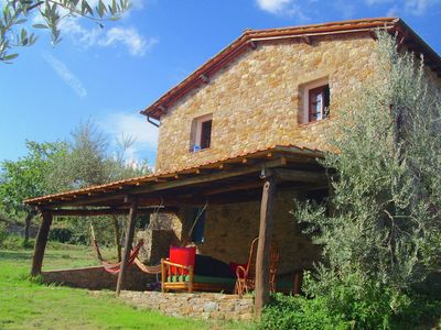 Photo for Holiday home with shared swimming pool in the green hills of Chianti