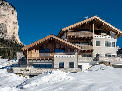 Photo for Luxurious, Ski-In/Ski-Out Chalet with Sauna, Patio, Wi-Fi and Parking