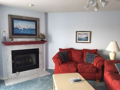 Family room that overlooks the main channel.  Flat screen tv and free wifi.