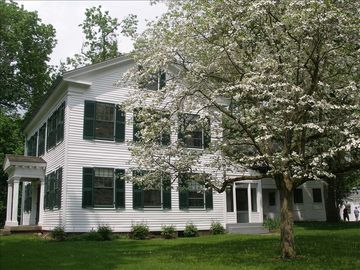 Historic House in Cuyahoga Valley National Park w/Access to Scenic Hiking Trails