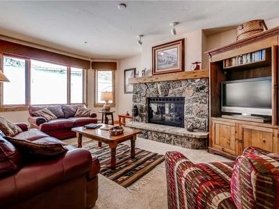 Photo for Ski-in/ski-out condo with community slopeside pool/hot tub