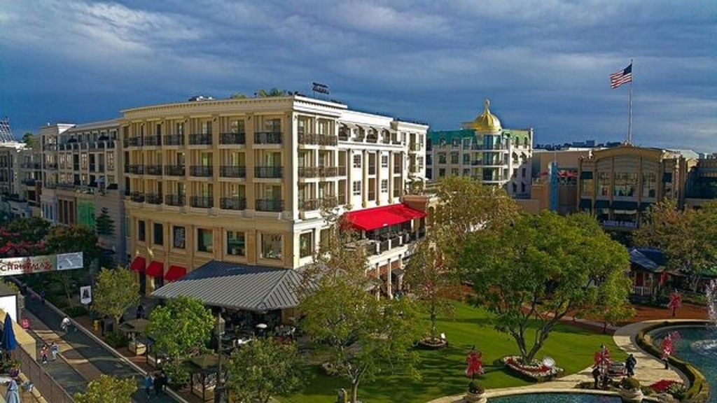 Americana At Brand >> The Americana At Brand Amazing Fountain View 2 Br 2ba Pacific