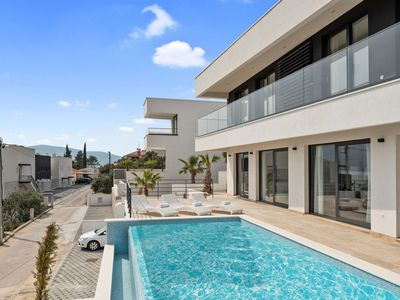 Photo for Modern White Palm Villa,in Dalmatia,with a Pool