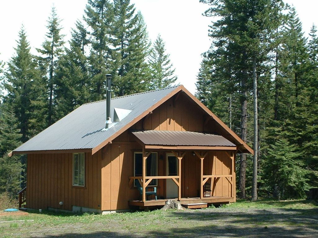 Cabin retreat located in the teanaway community forest for Cle elum lake cabins
