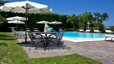 Photo for Casa Robertina apartment with shared solarium/pool complex in Sorrento holiday