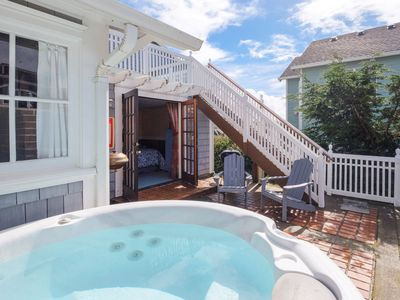 Photo for Couples cottage with king bdrm.  Close to beach & casino.