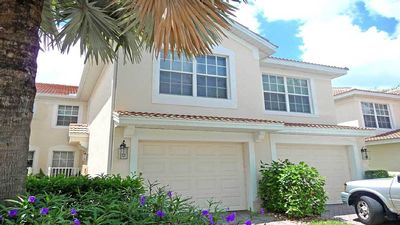Photo for Majestic Palms Close To Beach 3 Bed/2 Bath South Facing Lanai Resort Facilities