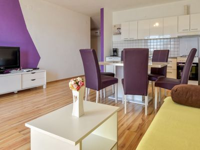Photo for Apartment Beba in Karlobag - 6 persons, 2 bedrooms