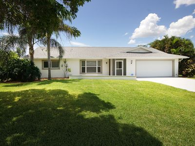 Photo for Villa in Cape Coral - equipped Modern House with boat for rent