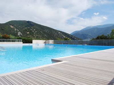 Photo for Pleasant house, sleeps 6, in condo facing the Ventoux