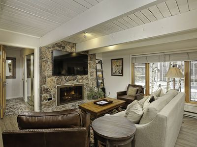 Photo for Deluxe 2 bedroom condominium, only one block from downtown Aspen and the Gondola. CC5
