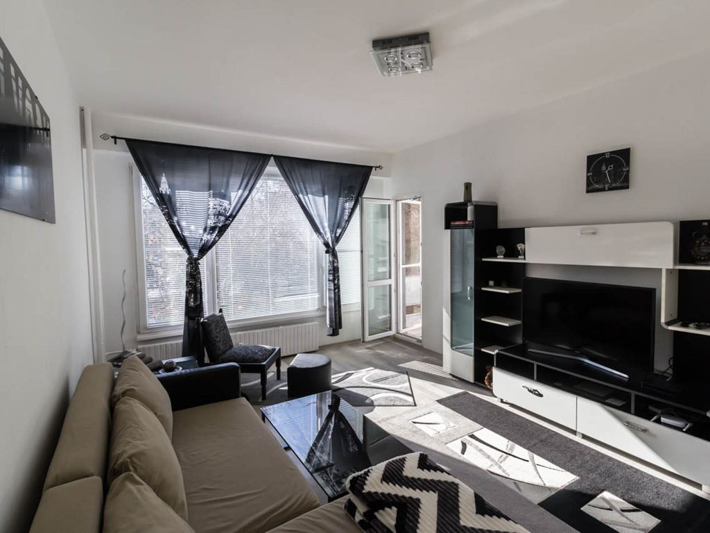 Catalina's Lux & Style International Apartment in Extensive Centre of Sofia