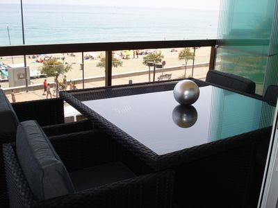 Photo for Whim Apartment. Front line beach, 2 bedrooms, bath Spa. Offer 4 weeks 1350 EUR