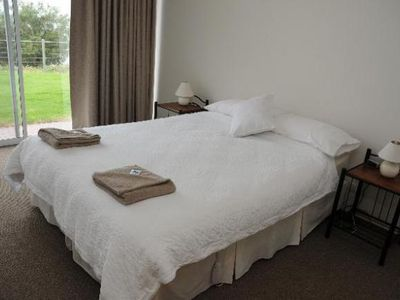 Photo for Spalding Lodge  JULY. 2 pers$99 pn stay 4nts 5th  night FREE. Ex pers $10pn ea
