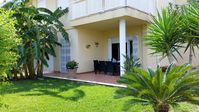 Comfortable and well-appointed garden flat in a small development very close to the beach