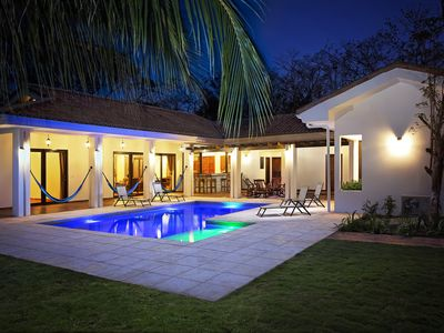 New Deluxe Villa With Pool And Bar Steps Away from the surf at Playa Colorados