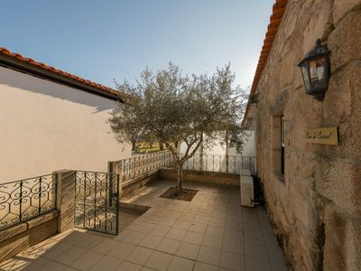 Photo for Holiday home on quinta, with beautiful garden and shared swimming pool