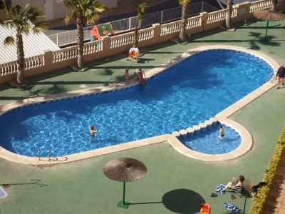 Photo for WIFI, beach at 800m Bright apartment, 3 bedrooms, 2 bathrooms, air conditioning, pool, parking, 4 bikes