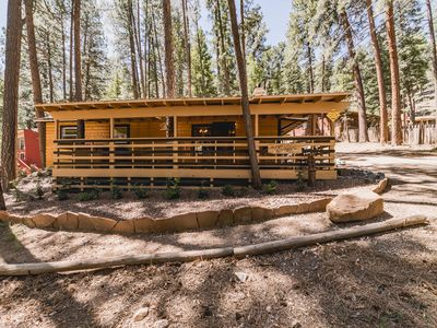 Hummingbird Cottage: 3 Bedroom Cottage in Upper Canyon with Hot Tub!