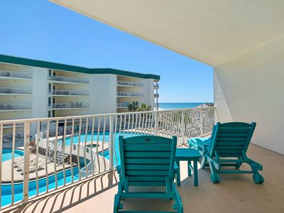 Photo for Gorgeous Updated Condo, Pool & Gulf Views, Stunning Decor, Bunk Beds.