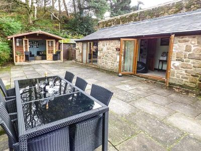 Photo for THE GRANNERY, pet friendly, with open fire in Matlock, Ref 20791