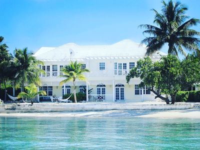 Photo for Escape to paradise at this spacious home in a perfect beachfront location
