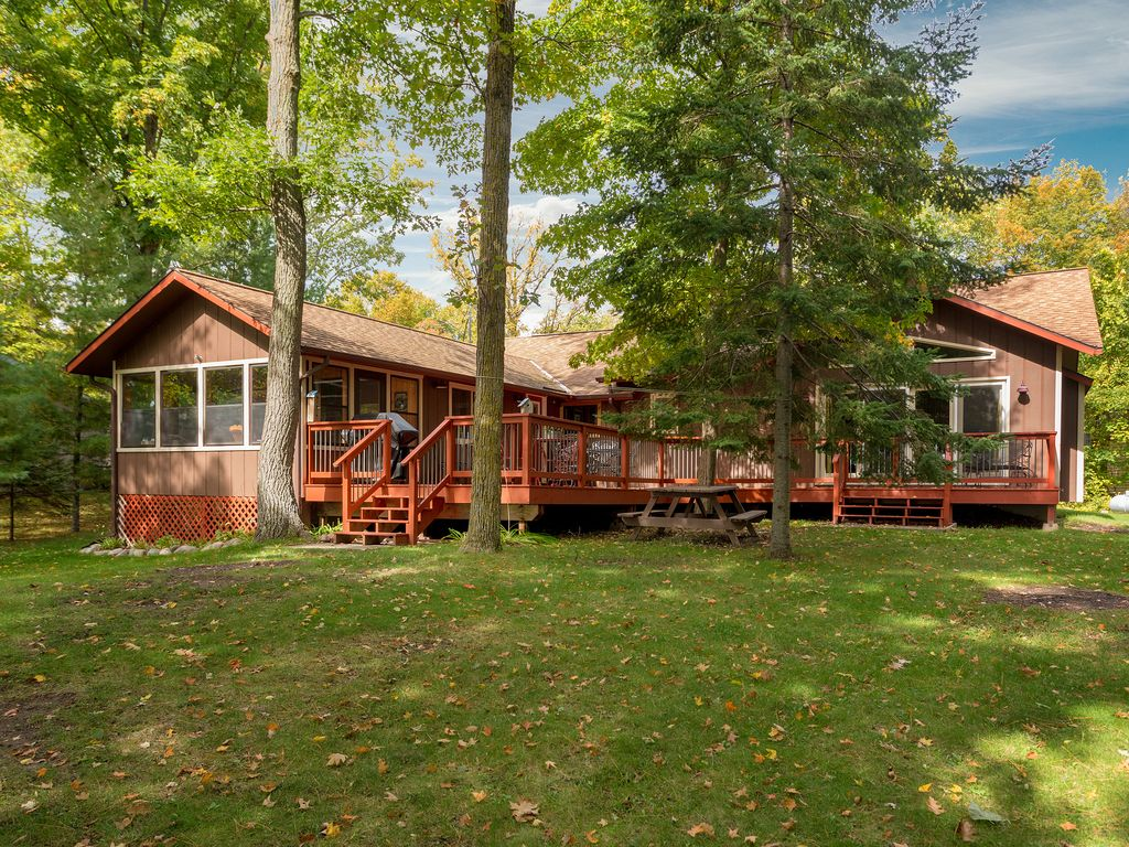 Up North And Updated Vacation Home On Mule Lake That Won T Disoint