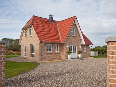 "Photo for Friesenhaus ""Strandhus"" near the beach, free Wi-Fi, fireplace and sauna"
