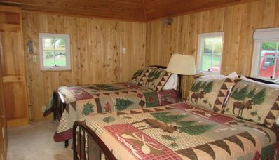 Photo for TURTLE COVE (on Town Lake near Pictured Rocks)--Pet-friendly family getaway! WIFI & Cable TV!