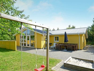 Photo for Large Holiday Home for 8 Persons in Henne with Sauna