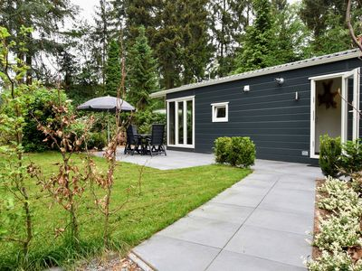 Photo for Luxury chalet with spacious garden in a natural holiday park in a cycling and walking area
