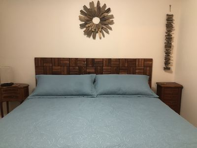 A very comfortable king size bed in the aprivate bedroom.
