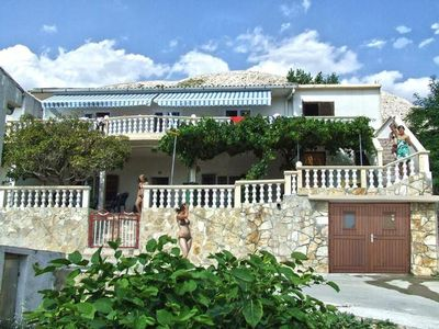 Photo for Holiday apartment Metajna for 4 - 5 persons with 2 bedrooms - Holiday apartment in one or multi-fami