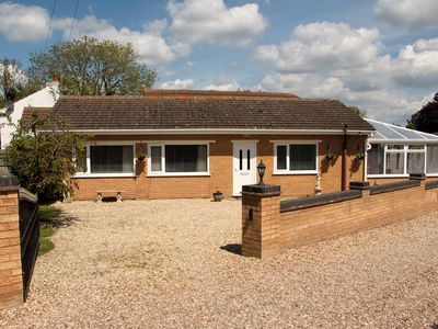 Photo for LONG ACRES, pet friendly, with a garden in Old Leake, Ref 2946