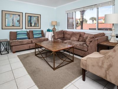 Photo for Inviting Condo, Pet-friendly, Full-kitchen, Spacious Sun Deck
