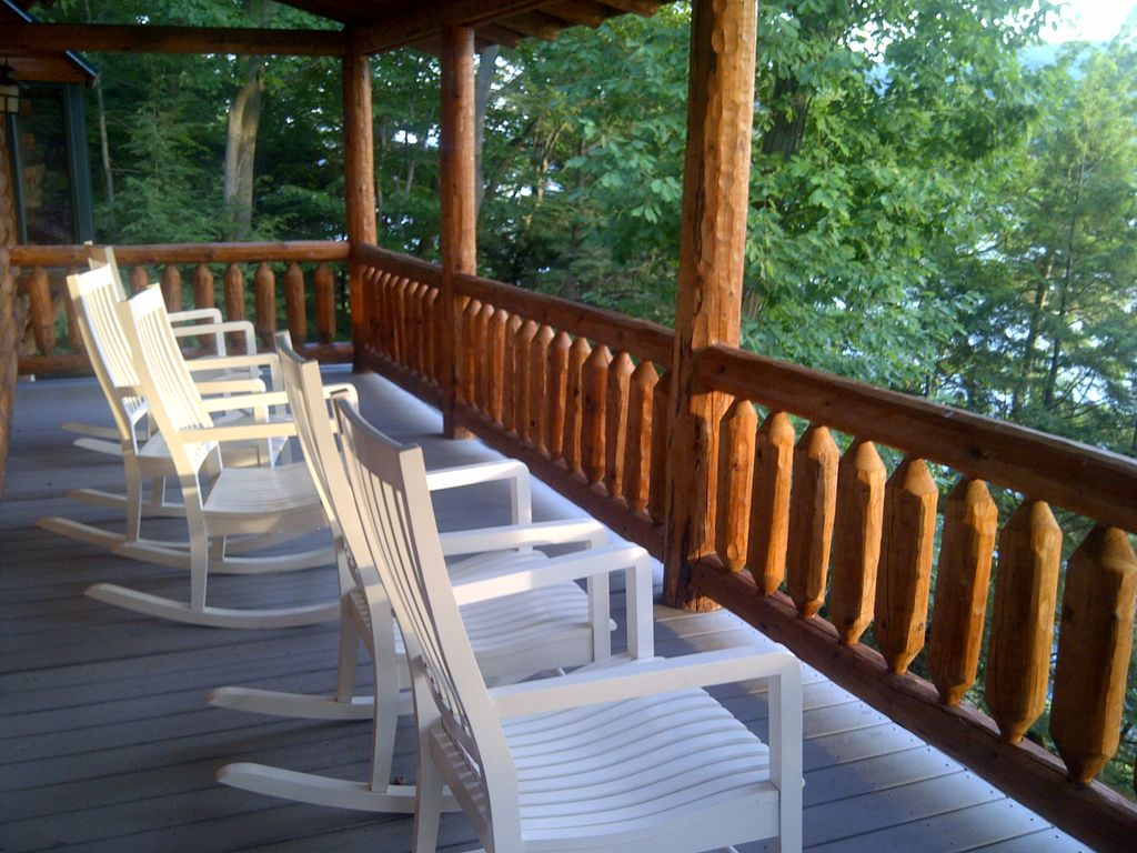 Log cabin in the woods by a lake - Property Image 22 Luxury Log Cabin In The Woods On Skaneateles Lake
