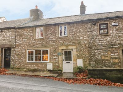 Photo for 2 STORRS COTTAGES, pet friendly in Ingleton, Ref 983305