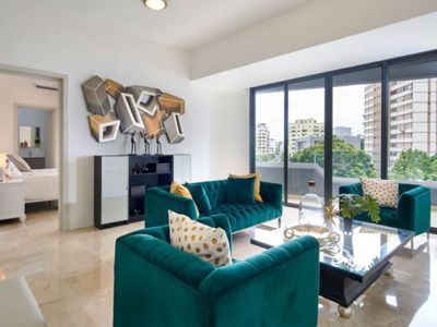 Photo for Gorgeous Centrally Located Apt with Balcony