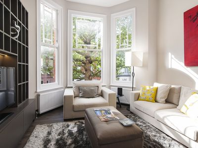 Photo for Bright, Spacious Victorian Flat in Earl's Court