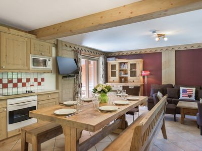 Photo for Cosy 4 Bedroom, ski-in/ lift-out Apartment in Meribel Village