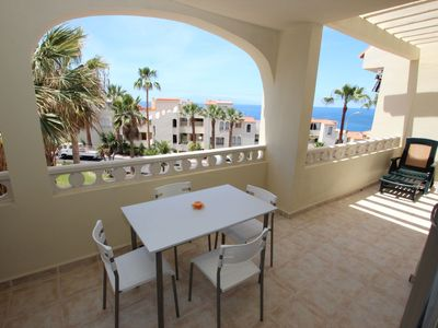 Photo for Family friendly apartment 4 pers. near the sea and pool