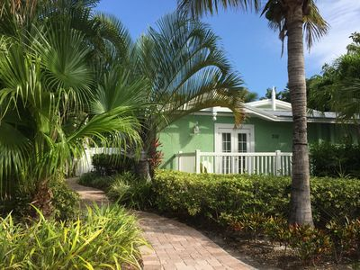 Key Lime Cottage With Private Very Cosy With Heated Pool