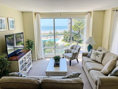 Large Living Room with great Ocean view.