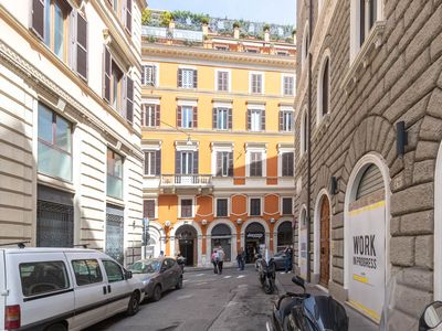 Photo for Apartment for 3 people a stone's throw from the Trevi Fountain and the Spanish Steps
