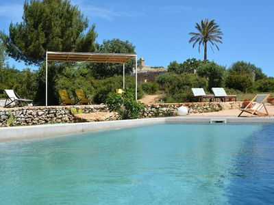 Photo for Charming small masseria with pool near the sea